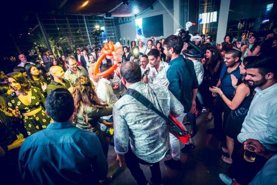 אדווה & בר – להקת ריטלין בקבלת פנים ומופע ריקודים בחתונה